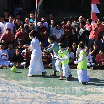 Semarak HUT RI Ke-74 Bersama Santri Husnul Khotimah